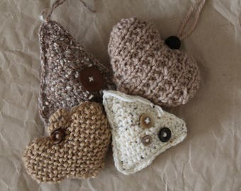 Set of four Christmas decorations in wool, decorations made of wood, knitted decorations, wool and buttons