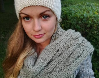 Warm wooly scarf for women
