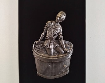 The vintner - Bas-relief pewter