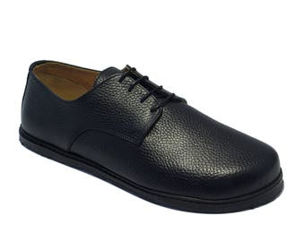 Handmade mens leather shoes/ plain toe derby in pebbled black