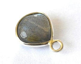 Beautiful little Labradorite pendant with silver