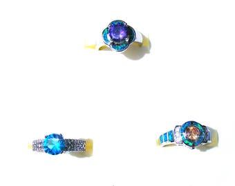 Bague plaqué argent cristal bleu, violet, orange, strass et opale de feu bleu vert irisé.