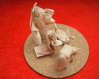Betlehem (nativity set) from corn husk