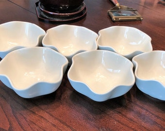 Hull Pottery Bowls set of 6