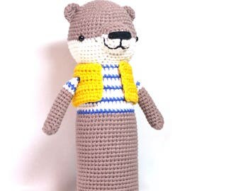 Knitted otter pica pau/knitted toys/knit toy/pica pau/knit toys/amigurumi/amigurumi animals/otter/toy otter/knitted otter/crochet otter/toys