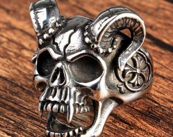 Vampire Skull Ring (Free UK Shipping) Biker Gothic Rocker Hippie Bohemian Hipster Metaller