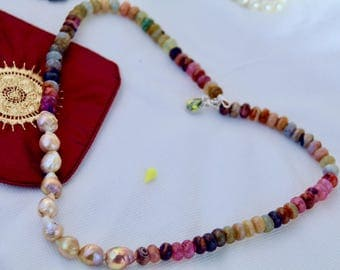 Agate Keshi Beaded Necklace With Peridot Cubic Zirconia Charm.