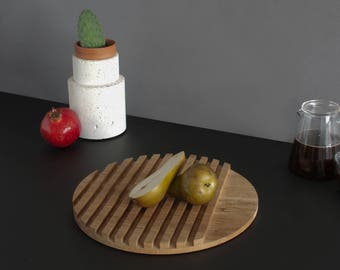 Wooden Serving Board. Round - Large. Modern Design. Hand Crafted Oak. Justas Studio