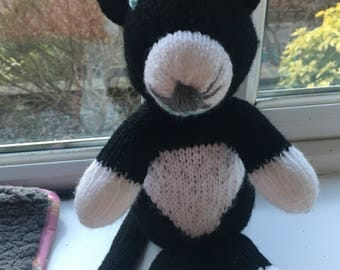 Gorgeous knitted cat - brand new hand made