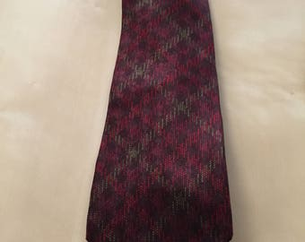 Alexander Julian Colour Vintage Houndtooth Tie Red Green