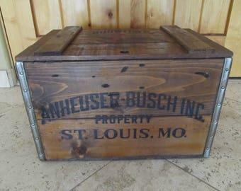 Anheuser Busch Inc. Budweiser Centennial 1876-1976 Wooden box