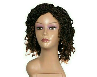 Short kinky twists wig with colored tips