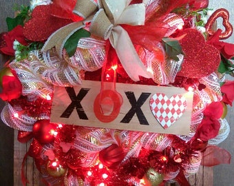 Xoxo Valentine's light up wreath