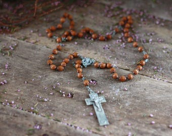 Antique 19th. Very old wooden rosary with Christ in metal. Rosary with brown beads 19th. Vintage necklace. Wood pearl necklace. Religious