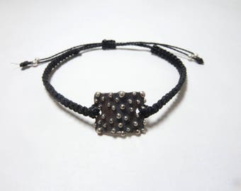 Bubbles bracelet sterling silver  black and white oxidated with macramé snare