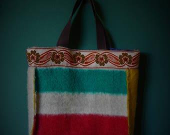 Large bag of a vintage blanket with lining.