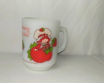 Vintage Milk Glass Anchor Hocking Fire King STRAWBERRY SHORTCAKE Coffee Cup Mug
