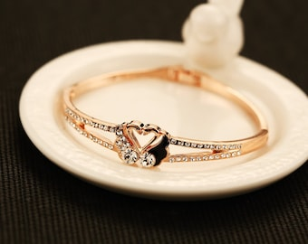 Beautiful diamond swan bracelet, gold fashion bracelet, beloved gift.