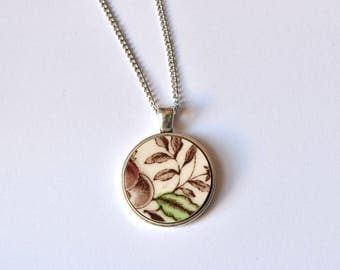 Simple Circle Broken Plate Pendant - Green Leaf - Recycled China