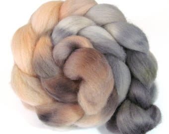 Hand Dyed Roving Combed Wool Top Whitefaced Woodland 100g WW35