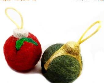 KIT SALE Needle Felting ornament kit: wool, mini batts, green, Red, white snow snowflake Winter, Tree Ornament, Christmas Holiday Colors, DI