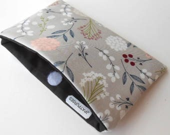 Catch All Clutch ECO Friendly Padded Pouch Vintage Floral Toss NEW item