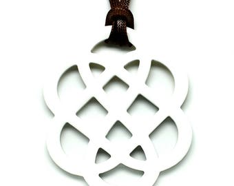 Horn & Lacquer Pendant - Q11678-W