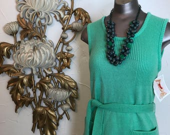1970s sweater green sweater knit top 1970s tunic size medium Vintage tank top sleeveless sweater vintage pull over