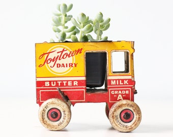 Vintage Dairy Cart, Butter and Cheese, Marx Toy Car