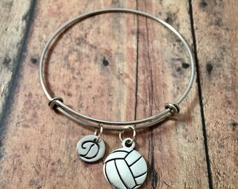 Volleyball initial bangle - volleyball jewelry, gift for volleyball player, sports jewelry, volleyball bracelet, volleyball coach jewelry