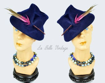 Vintage 1930s Tilt Fedora Hat ~ Blue Wool Felt ~ Feather Accent