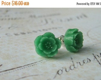 ON SALE Green Floral Earrings, Flower Earrings, Stud Post Earrings, Sterling Silver Stud Post Earrings, Resin Flower Cabochon Earrings