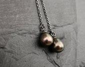 Minimalist Threader Earrings / Chain Earrings / Freshwater pearl earrings / Gift for her / Simple  silver  earrings / Drop pearl earrings