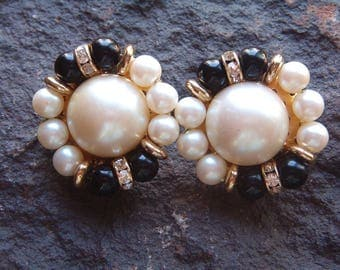 Vintage Beaded Clip On Earrings, Black and Pearl Earrings, Vintage Earrings,  Earrings