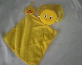 Shower Cap and Hand Towel SET  -  Fun Bath Time