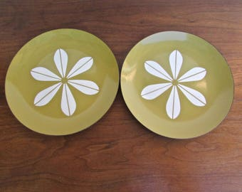 "Cathrineholm Lotus Butterscotch Colored 10"" Enamelware Plates, Designed by Arne Clausen of Norway"