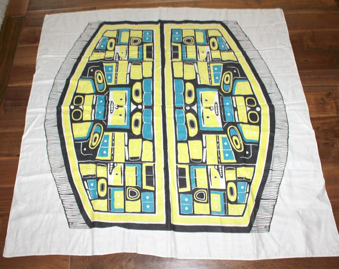 Vintage Alaskan Totem Pole Tablecloth, Square 51 x 51, NW Inuit Alaska Table Cloth