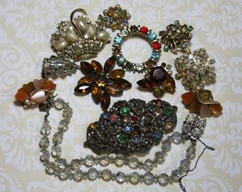Vintage JUNK JEWELRY Lot Necklaces Craft Supply- Rhinestone Jewelry Lot Repurposing- Repair Supply Kid's Crafts