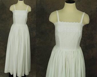 vintage 70s Eyelet Maxi Dress - 1970s White Cotton Prairie Dress Wedding Dress Wedding Gown Sz S