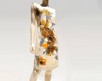 60s Shift Dress 1960s Summer Dress Floral Shift Dress 60s Wiggle Dress 60s Twiggy Dress 60s Mod Dress 60s Off White Dress Sleeveless Dress m