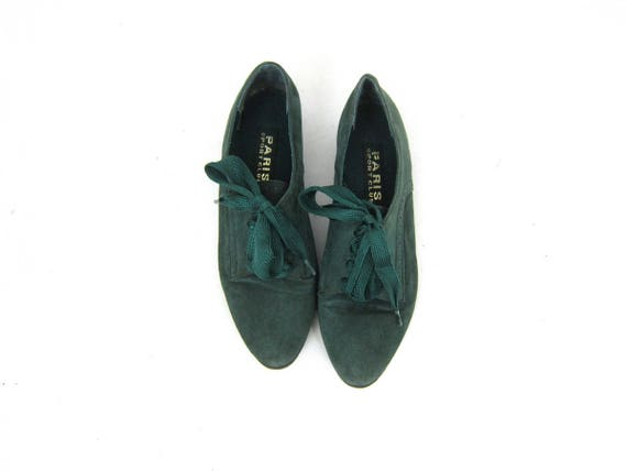 Green Suede Leather Sneakers Lace Up Shoes Retro Kicks Walking Shoes Vintage Minimal 1980s Minimalist Hipster Shoes Womens size 8