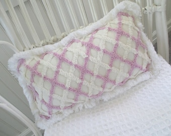 Vintage Chenille Pillow * Shabby Cottage * Farmhouse * Porch Swing Pillow