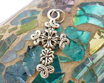 Celtic design Antique Silver Cross Pendant-Rustic Silver Cross charm Pendant