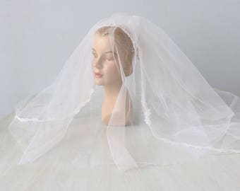 Vintage Wedding Veil / 1960s Bridal Veil with Blusher / Elbow Waist Length Veil / White Lace