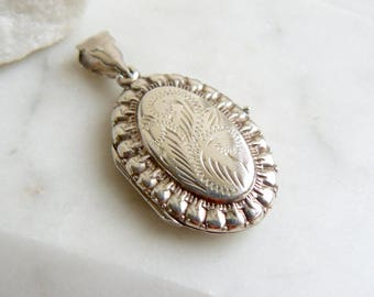 Vintage Oval Locket, Silver Locket Necklace, Hallmarked, Ornate Silver Pendant, Seventies Necklace.
