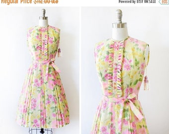 20% OFF SALE 60s floral dress, vintage yellow and pink 1960s dress, small ruffled bib floral print dress