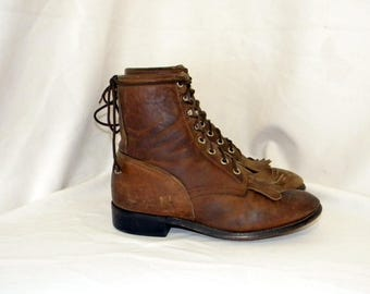Sz 5.5 Men, Sz 7.5 Women, Vintage brown leather 1980s flat lace up Justin granny combat boots.