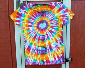 V-Neck Tie Dye T-shirt - Size Large - Carnival Heart