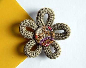 Flower brooch - Textile brooch pin - Cotton brooch -  Made in Italy - Linen beige brooch - Paisley.