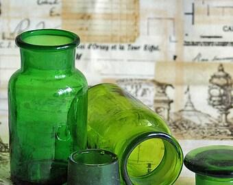 vintage or antique green bottle, apothecary, medicine, collectibles, home decor, cool vintage, UA